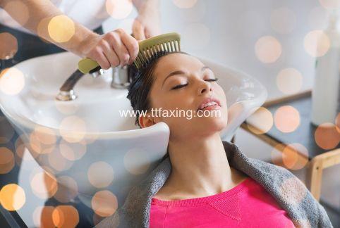 茶水可以洗头发吗 茶水洗头发有什么好处 ttfaxing.com