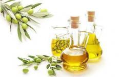 橄榄油可以抹在头发上吗 橄榄油护理头发怎么用