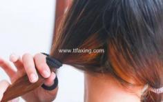 拉直头发多久可以扎头发 千万不能太早了
